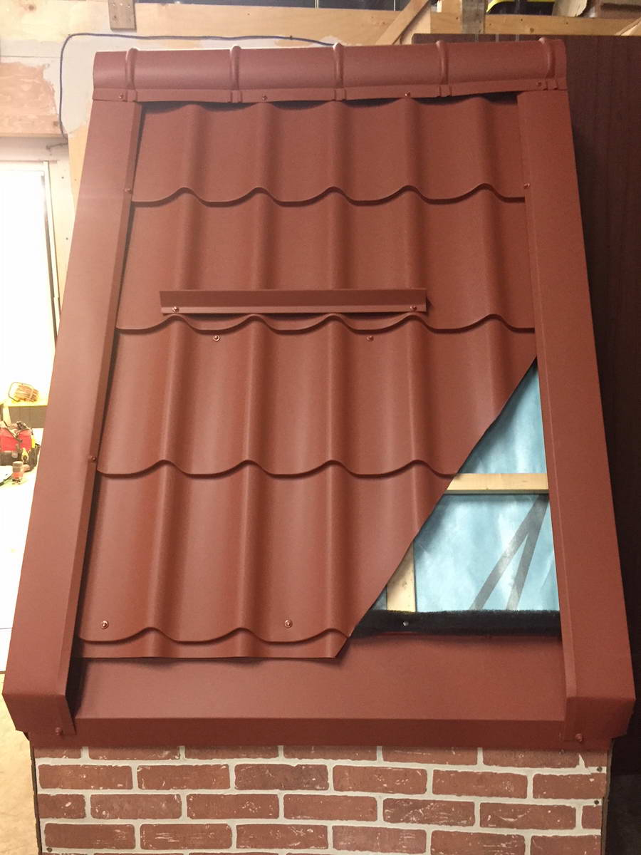 Structure of metal roof with coating
