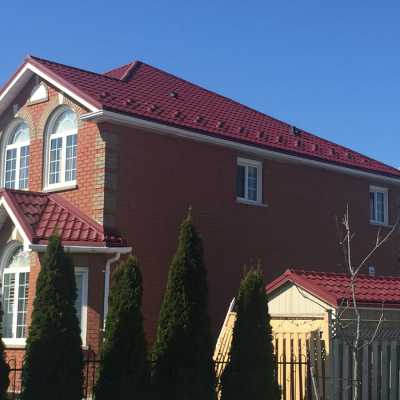 Wine red steel roofing
